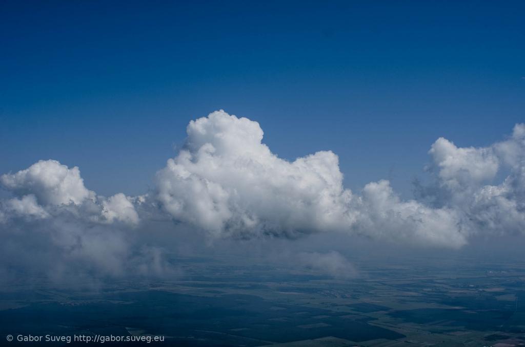 cloudsurfing / 1 © Gabor Suveg