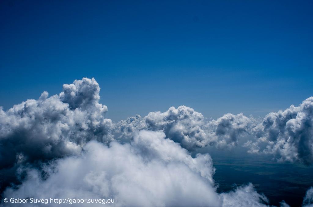 cloudsurfing / 2 © Gabor Suveg