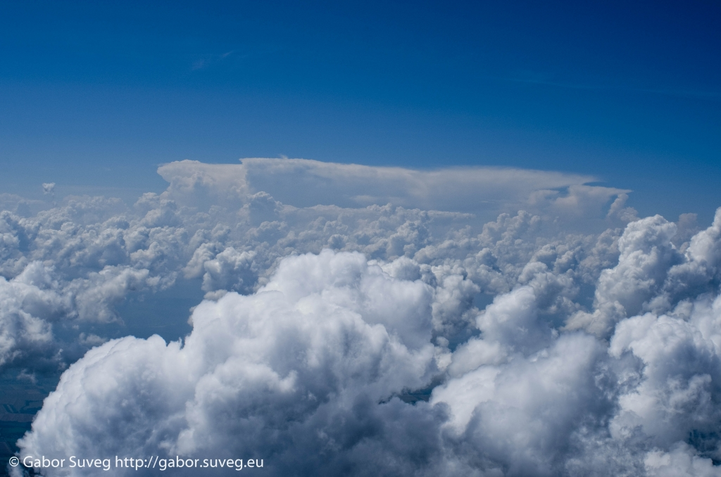 cloudsurfing / 4 © Gabor Suveg
