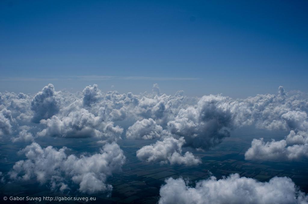 cloudsurfing / 6 © Gabor Suveg