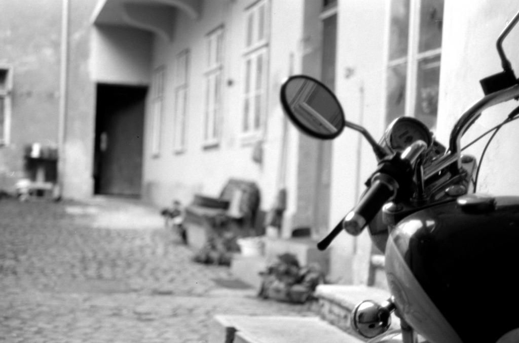 2014-analog / 3 – beyond windows and gates © Gabor Suveg