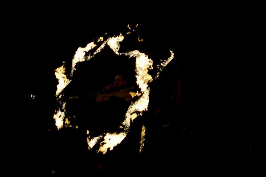 174 / 2013 - on fire © Gabor Suveg