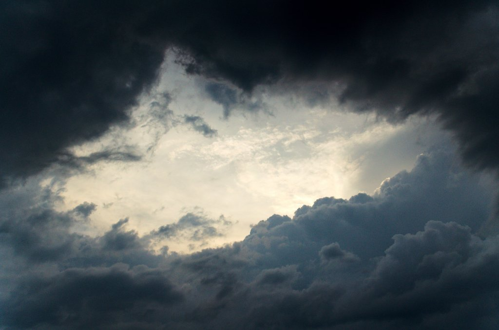 187 / 2013 - behind the darkness © Gabor Suveg