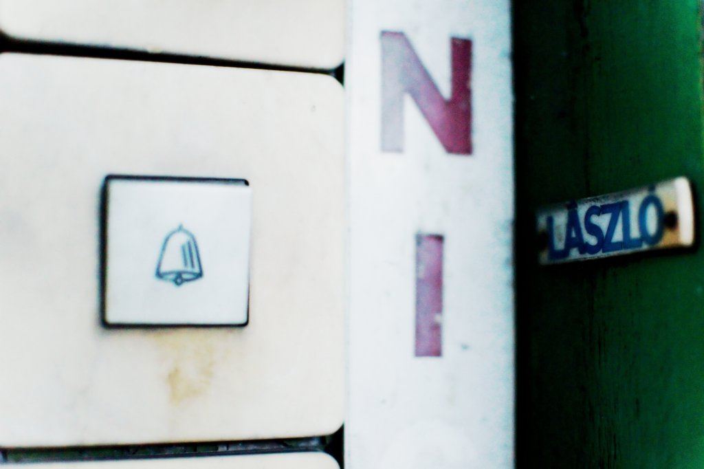 189 / 2013 - knocking on the green door © Gabor Suveg