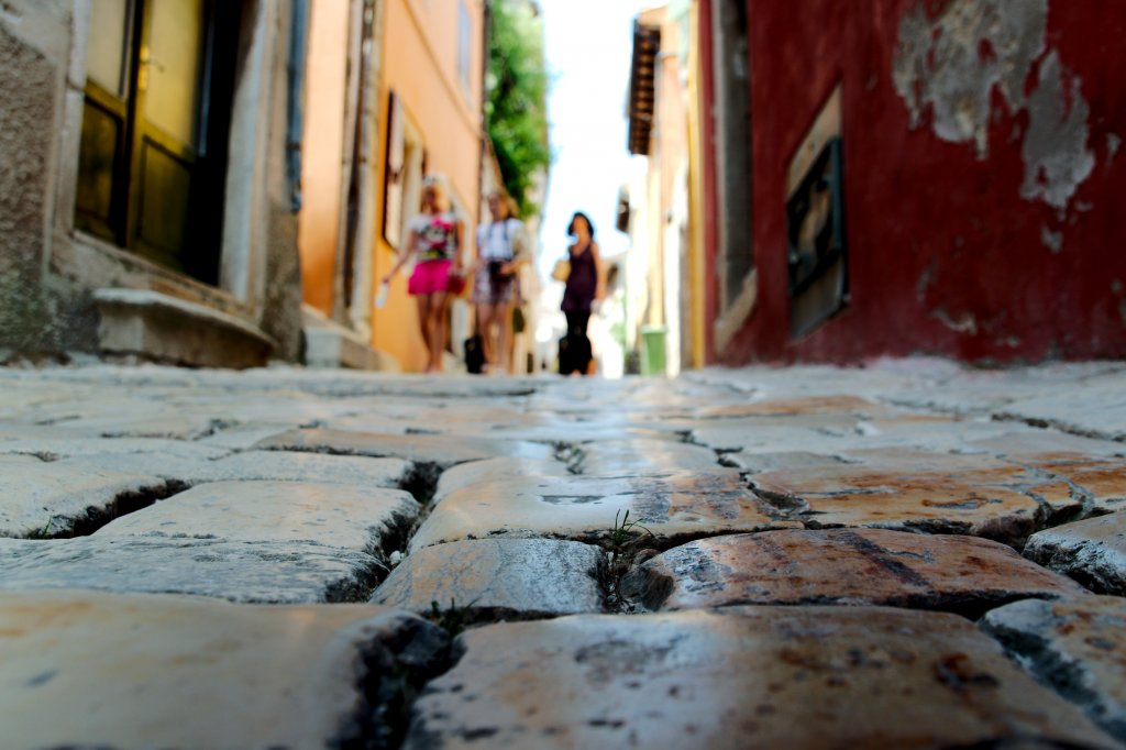 216 / 2013 – look down © Gabor Suveg
