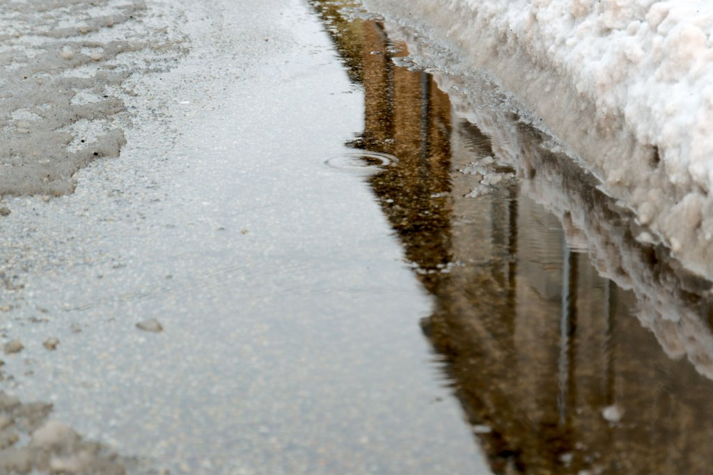 55 / 2013  - Here Comes The Rain Again  © Gabor Suveg