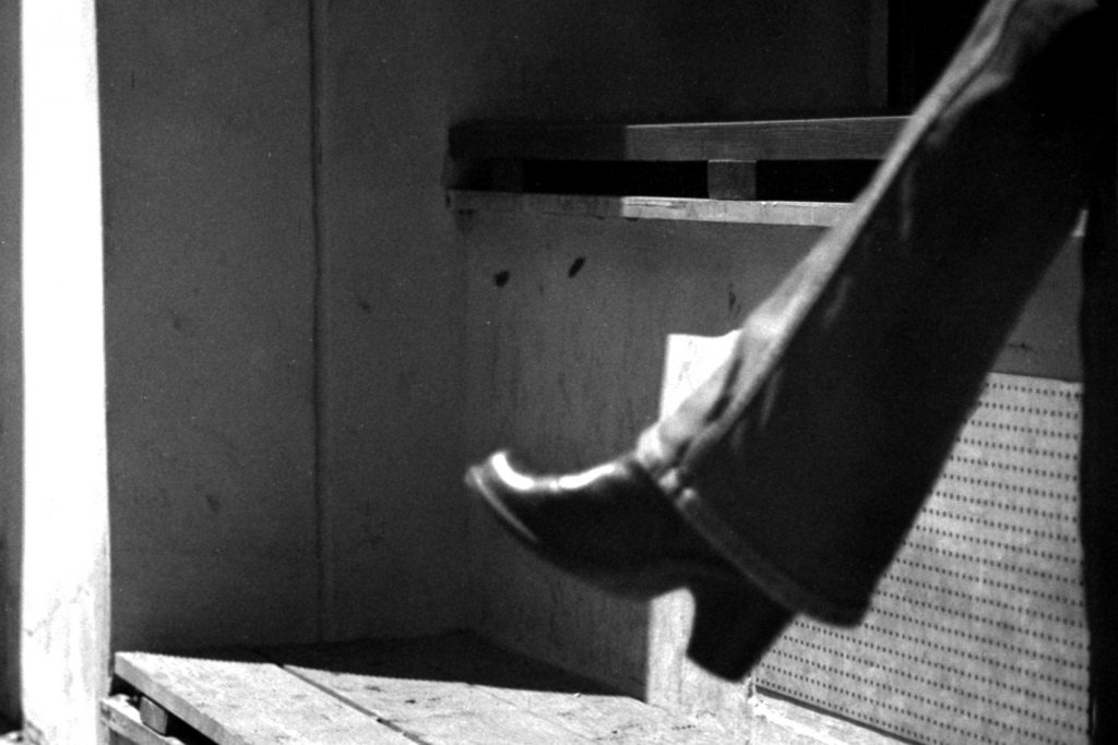 160 / 2013 - empty bench © Gabor Suveg