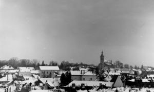 85  / 2013 - snowy old city © Gabor Suveg