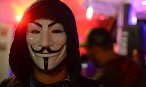 Anonymous mindenhol jelen van