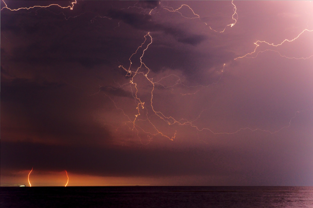 220 / 2013 - stormy night © Gabor Suveg